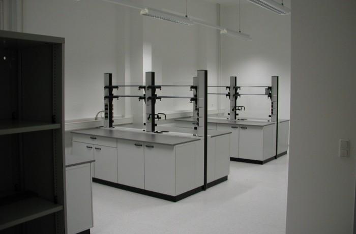 Labordoppelarbeitstisch
