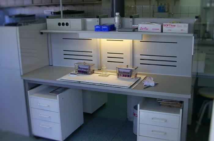 Färbearbeitsplatz in Pathologie
