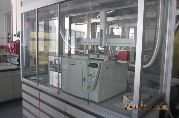 Einhausung für Gas-Chromatograph